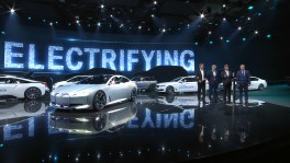 Delivered as promised BMW Group delivers 100000 electrified vehicles in 2017 en 28 มิ.ย. 2561