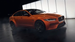 2017 LA Auto Show New Jaguar XE Project 8 and Range Rover PHEV in Los Angeles en 15 มิ.ย. 2561