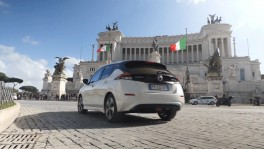 Nissan Leaf driving in Rome 27 ธ.ค. 2561
