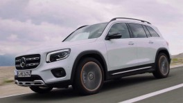The new Mercedes Benz GLB in White Driving Video