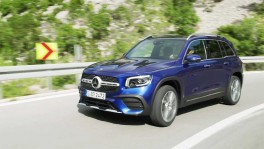 The new Mercedes Benz GLB in Blue Driving Video