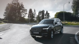 Swedish families help Volvo Cars develop Autonomous Drive Cars en