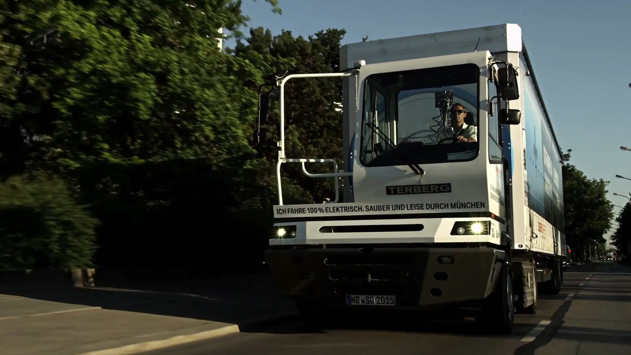 BMW Electric Truck inbound logistics 2015