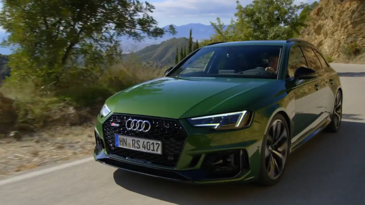 Audi RS4 Green Driving