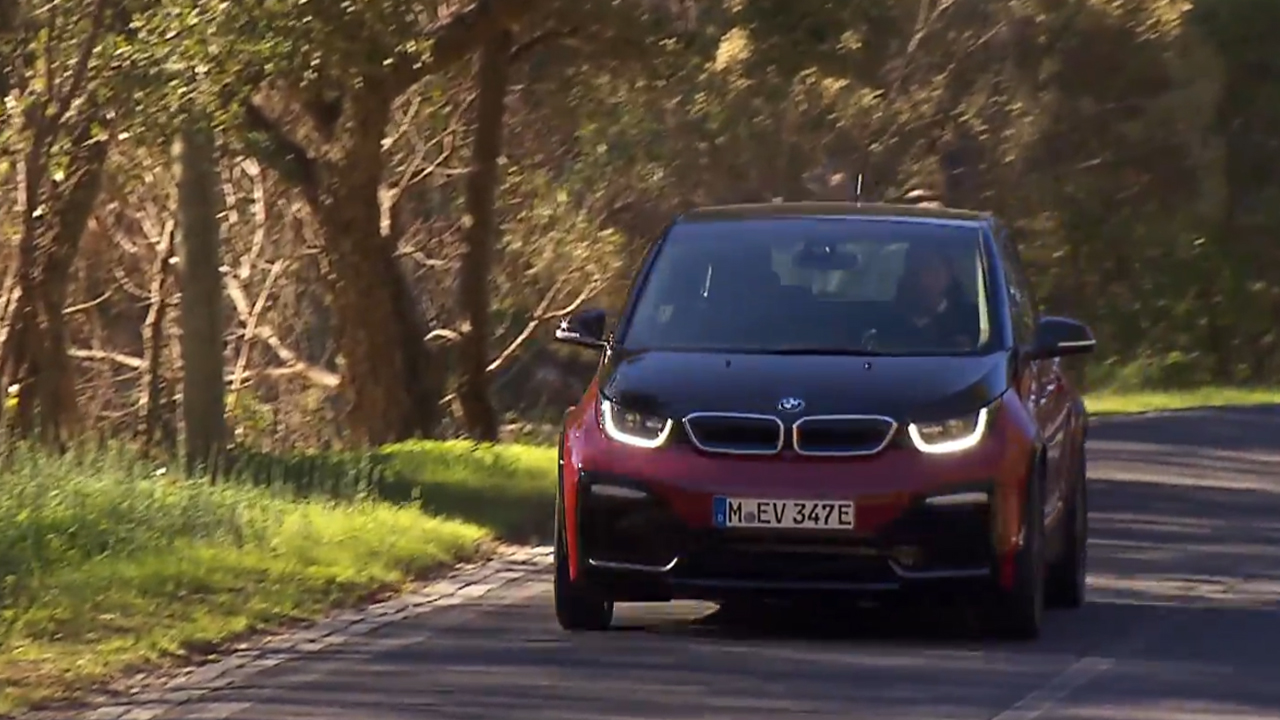 The BMW i3s Driving