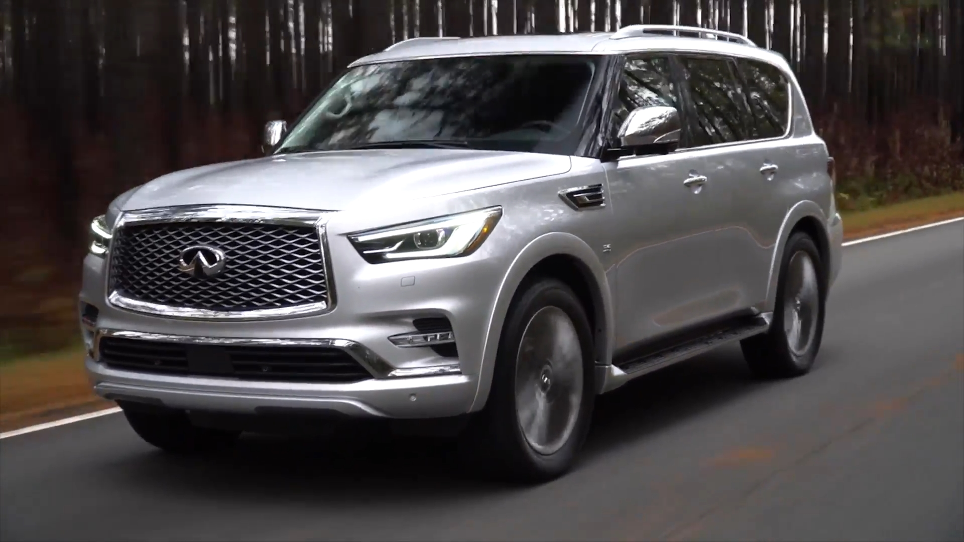 2018 INFINITI QX80 Driving Video in Silver
