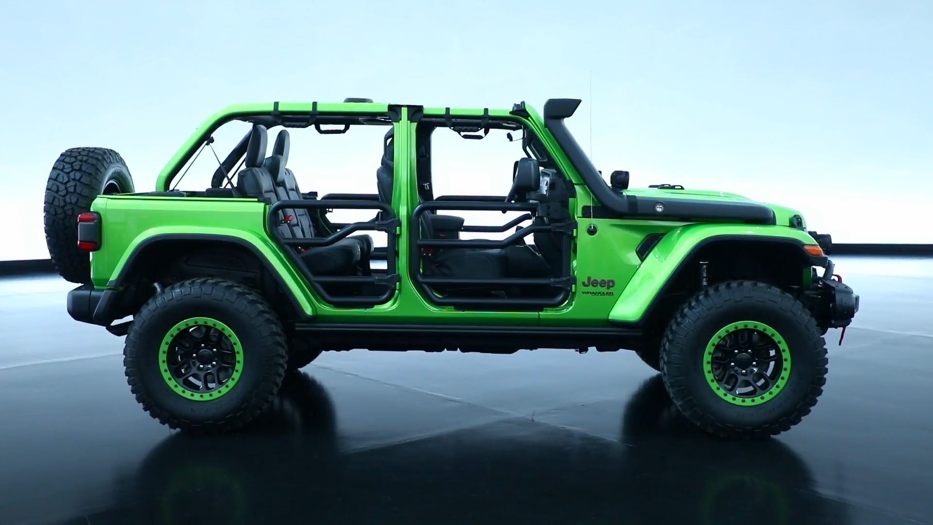 Mopar Premieres Customized 2018 Jeep Wrangler Vehicles at LA Auto Show en