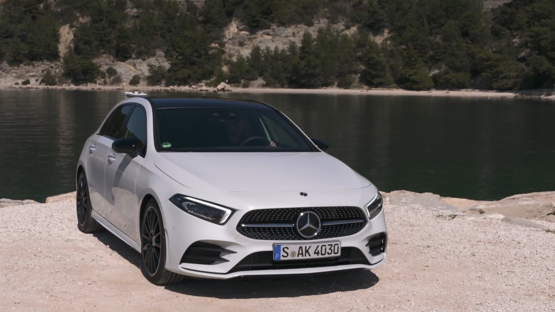 The new Mercedes Benz A 200 Driving Video